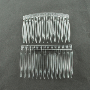 JF224 Clear plastic hair combs - standard